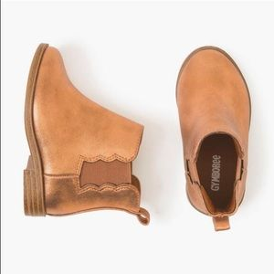 🆕GUC Gymboree Toddler Bronze Scalloped booties